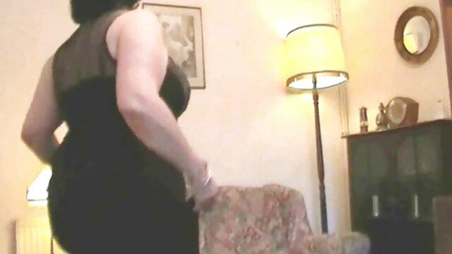 Blonde sexdoll wird gefickt echt alte weiber fotzen hart Szene 1