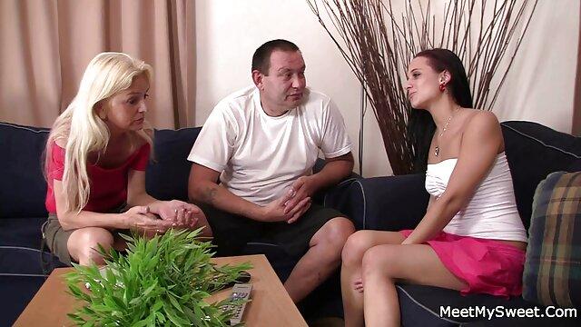 Kurzhaarigen Küken macht sexy lapdance alte weiber im swingerclub