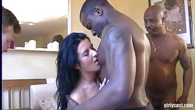 Süße Transe Spielt ihren reife geile frauen beim sex Schwanz