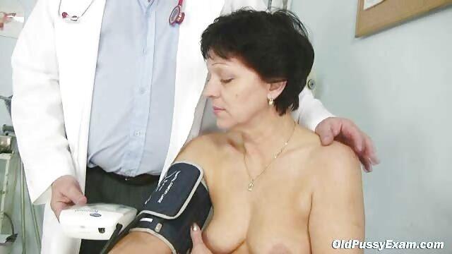 Busty reife geile frauen nackt Solo Shemale Babe Rucken Auf Webcam
