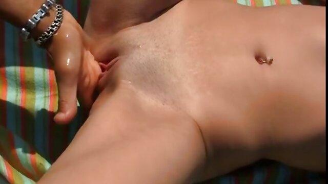 Kanten-10-mal und mit dildo zu alte weiber nackt massiven Orgasmus