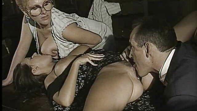 Kaylee alte nackte schlampen Hayes Kämpfe Während Ihrer Ersten Porno